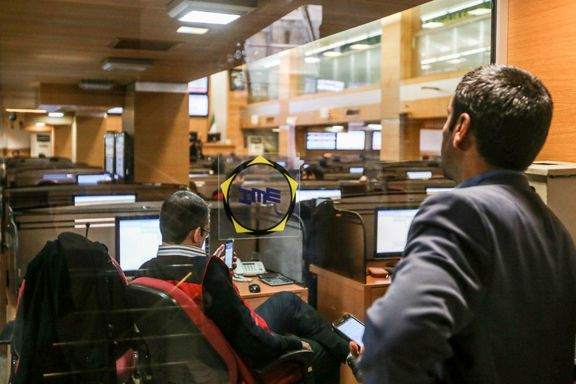هجوم خریداران بورسی به تالار پتروشیمی/پی وی سی پس از ماهها با سقف قیمت معامله شد