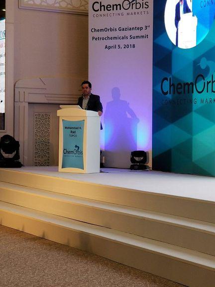 رئیس فروش و بازاریابی شرکت تاپکو درباره بازار پتروشیمی ایران سخنرانی کرد