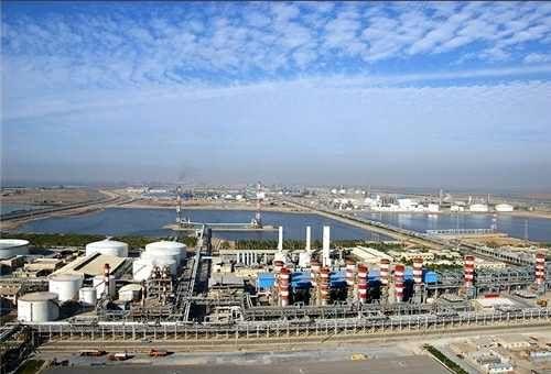 Zagros cuts Iran methanol run rates on feedstock curbs.