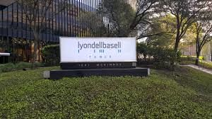 LyondellBasell may build world-scale chem-recycling unit in 6 years.